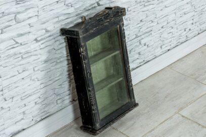 Stara szafka naścienna z szybką 2