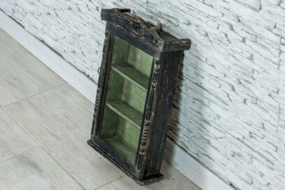 Stara szafka naścienna z szybką 3