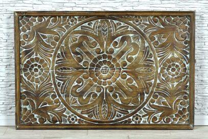 Drewniany panel z rzeźbioną mandalą 1
