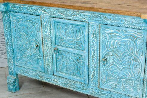 Błękitna komódka z rzeźbionym frontem 5