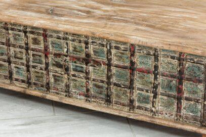 Kufer okuty żelazem 4