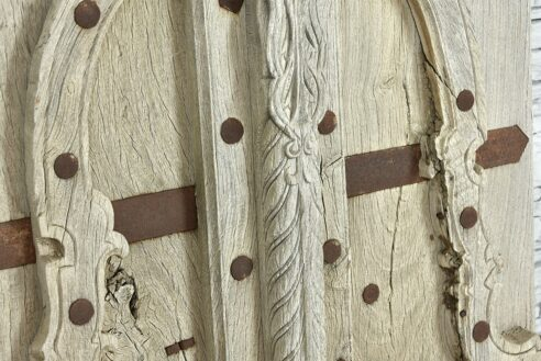 Stare tekowe drzwiczki z bezbarwnego teku 3